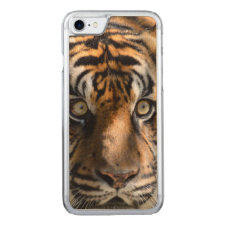 eyes of the tiger carved iPhone 7 case