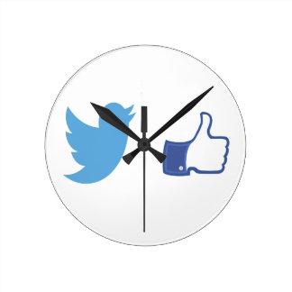 Facebook Twitter Round Clock