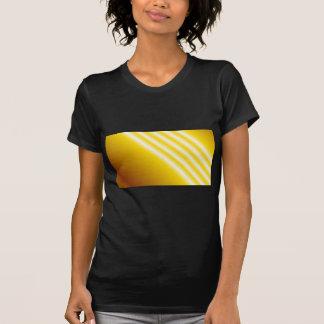 Faisceaux lumineux sur l'arrière - plan jaune tee-shirts