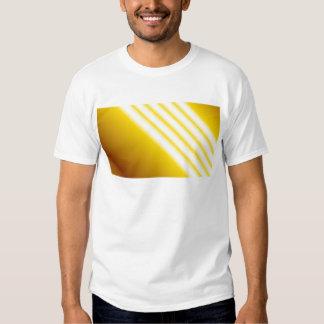 Faisceaux lumineux sur l'arrière - plan jaune tshirts