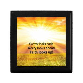 Faith looks up! gift box