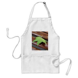 fallen leaf standard apron