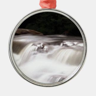 falling water flow metal ornament