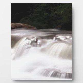 falling water flow plaque
