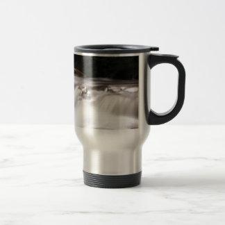 falling water flow travel mug