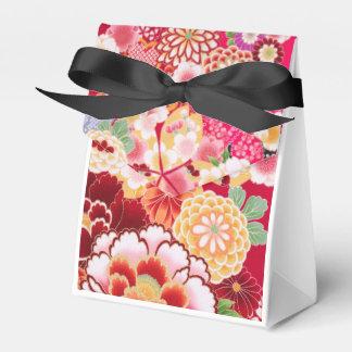 Falln Red Floral Burst Favor Box