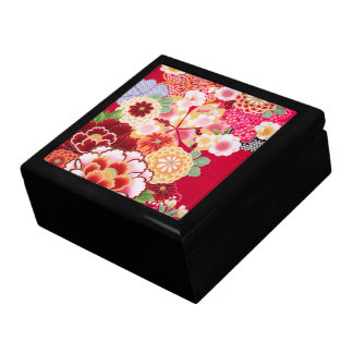 Falln Red Floral Burst Gift Box