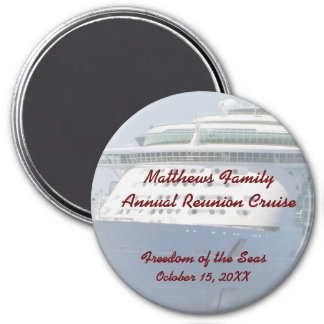 Family Cruise 05R 3 Inch Round Magnet