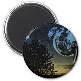 Fantasy planet magnet
