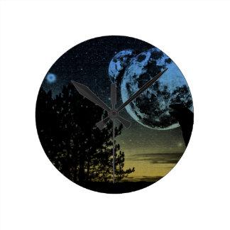 Fantasy planet round clock