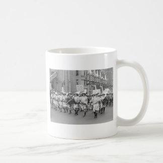 Farmerettes Sell WW1 Bonds, 1910s Mug