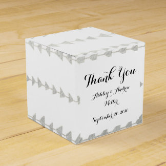 Faux Silver Foil White Arrows Pattern Favor Box