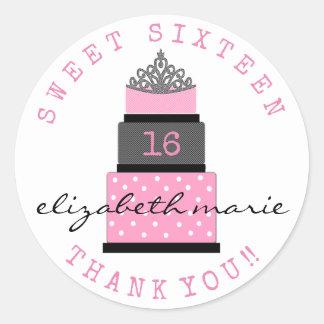 Faveur d'invité d'anniversaire de sweet sixteen sticker rond