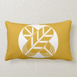 Feather of Shiragawa 鷹 Lumbar Pillow