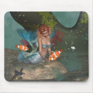 Feeding the fishies Mermaid Mousepad