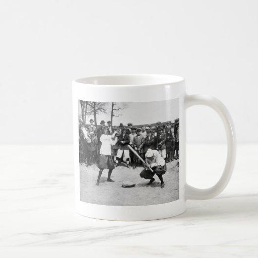 Female Giants: 1913 Mug