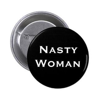 Femme méchante - texte blanc audacieux sur le noir macaron rond 5 cm