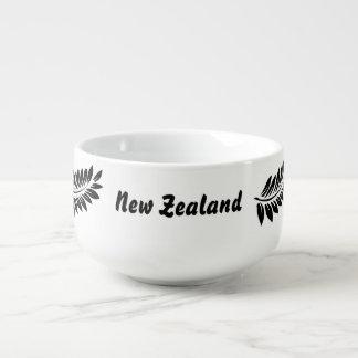 Fern leaf soup bowl with handle