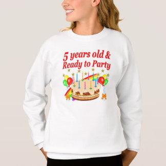 FESTIVE 5TH BIRTHDAY AND 5 YEAR OLD DESIGN SWEATSHIRT
