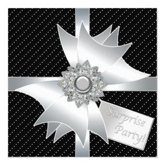 Fête d'anniversaire noire élégante de surprise carton d'invitation  13,33 cm