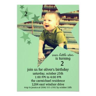 Fête d'anniversaire verte en bon état de photo de carton d'invitation  12,7 cm x 17,78 cm