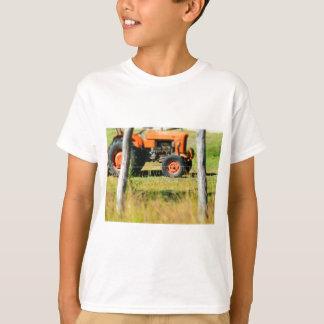 FIAT TRACTOR RURAL QUEENSLAND AUSTRALIA T-Shirt