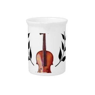fiddle in black drink pitcher