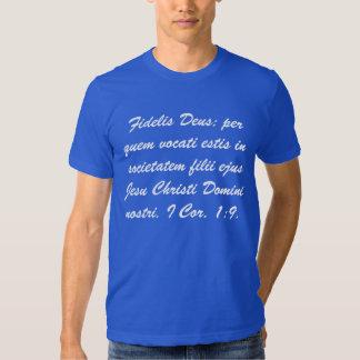 """""""Fidelis Deus"""" Camisia pro Ecclesia Tee Shirts"""
