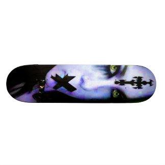 fille 14 de goth planches à roulettes customisées