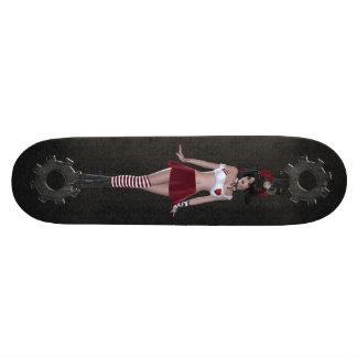 Fille mignonne de Steampunk Goth et planche à roul Plateaux De Skate