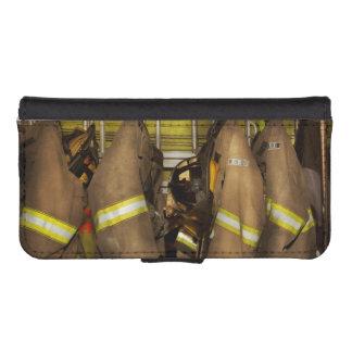 Firefighter - Bunker Gear iPhone SE/5/5s Wallet Case