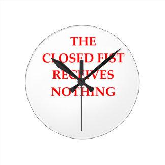 FIST ROUND CLOCK