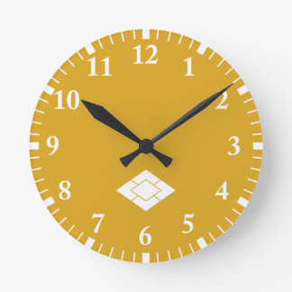Five pile water caltrops round clock