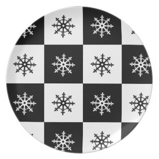 Flakes - black and white squares plate