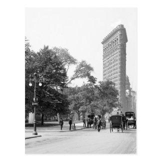 Flatiron from 5th, NYC: 1906 Postcard
