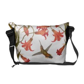 Fleur de lis d'animaux d'oiseaux de colibri besaces