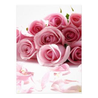 Fleur de rose rose cartons d'invitation