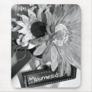 Fleur Sans Colour mousepad