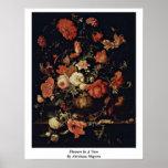 Fleurs dans un vase par le Mignon d'Abraham Poster