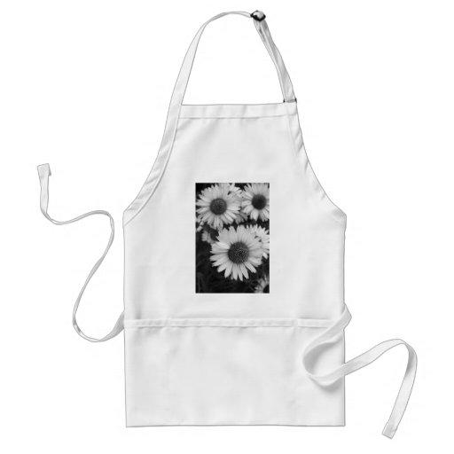 Fleurs de cône - marguerite - en noir et blanc tabliers