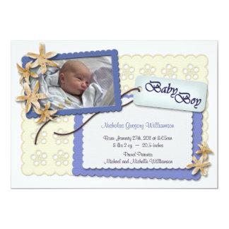 Fleurs et annonces bleues de naissance de dentelle carton d'invitation  12,7 cm x 17,78 cm