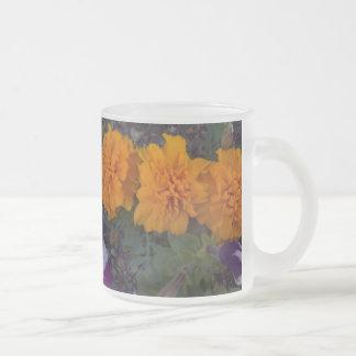 Fleurs oranges tasse à café