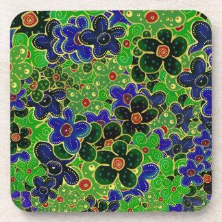 fleurs vertes et bleues avec l'équilibre d'or sous-bocks
