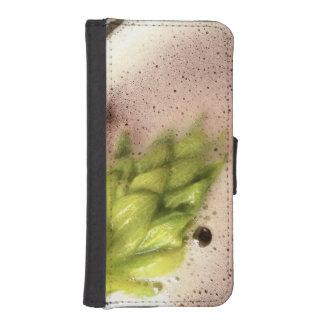 Floating Beer Hops iPhone SE/5/5s Wallet Case