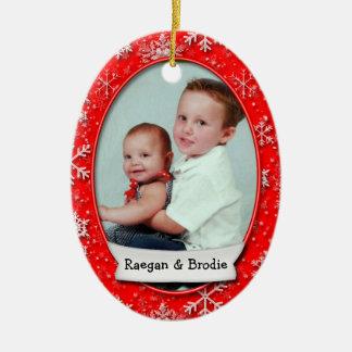 Flocon de neige daté de rouge de photo de Noël • 2 Ornement Ovale En Céramique