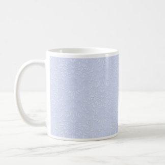 Floral blanc sur la texture violet-clair mug