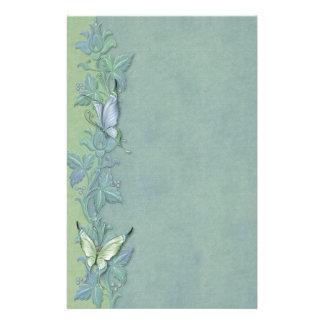 Floral en pastel de papillon papier à lettre