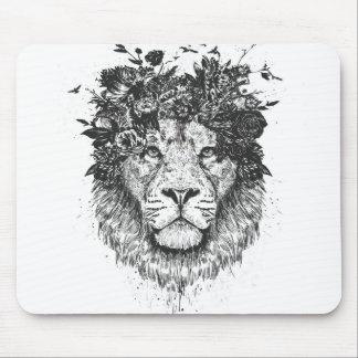 Floral lion (blackandwhite) mouse pad