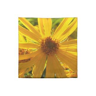 """Flores en mi hierbas """" flowers in my weeds """" napkin"""