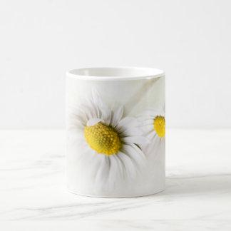 Flower daisy charms with its softness coffee mug